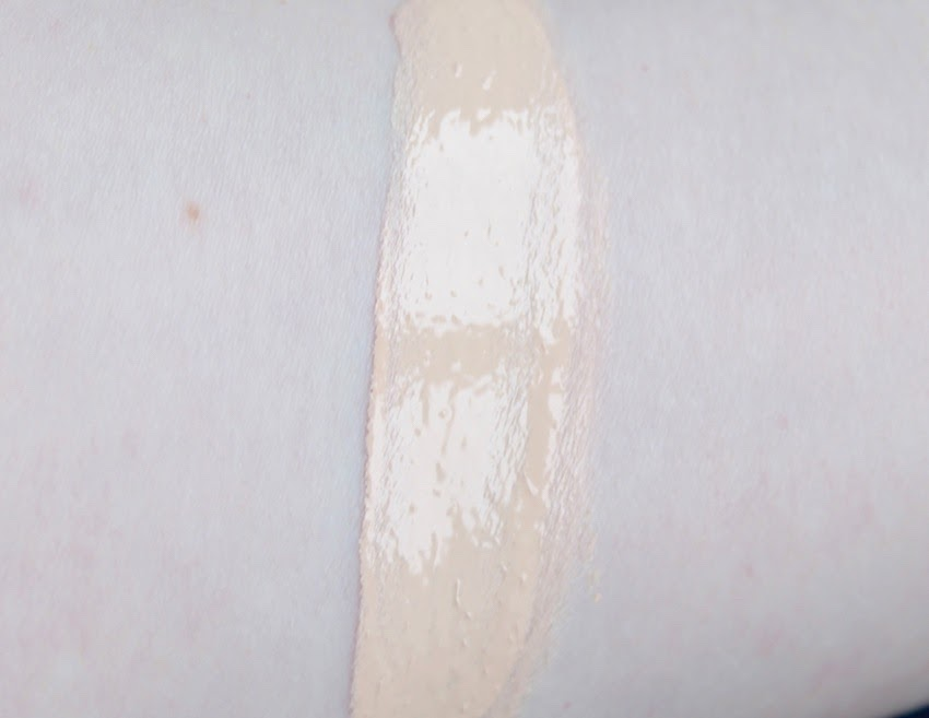 Estee Lauder Double Wear Stay in Place Foundation swatch