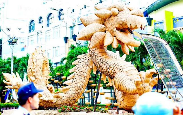 Drago figura durante il Tet in Vietnam