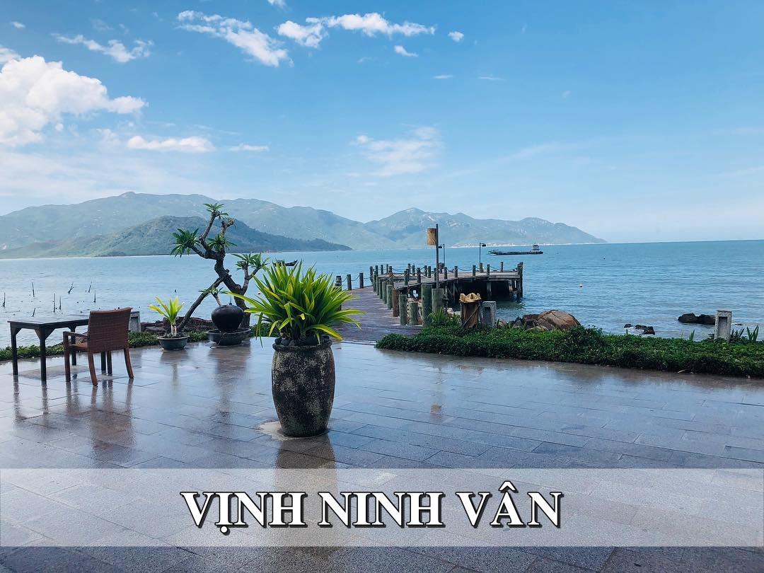 View biển Vịnh Ninh Vân