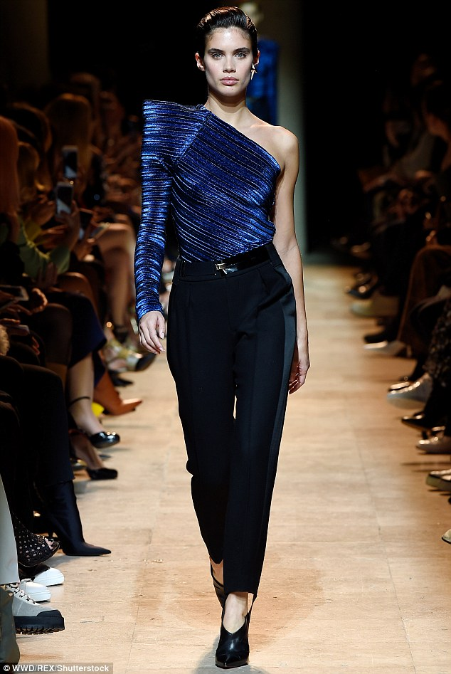 Sara Sampaio shows off her killer figure in futuristic top and cigarette trousers as she hits the runway for Mugler AW17 at Paris Fashion Week