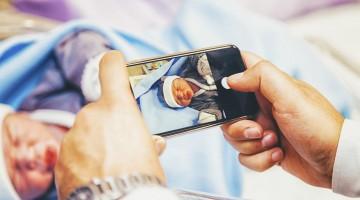 تقارير جديدة تحذّر الآباء من نشر صور أطفالهم على فايسبوك