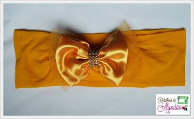 Faixa amarela de cabelo para bebês em meia com laço de cetim e tule