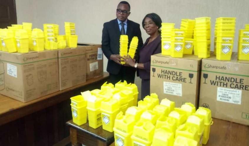 Togo : Don de de 25 000 matériels de biosécurité au secteur de la santé pour la gestion des déchets médicaux