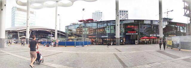 Utrecht central station paviljoen hoog catharijne exit five guys tgi fridays restaurants