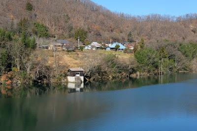 長野県生坂村 犀川(さいがわ) ポンプ小屋