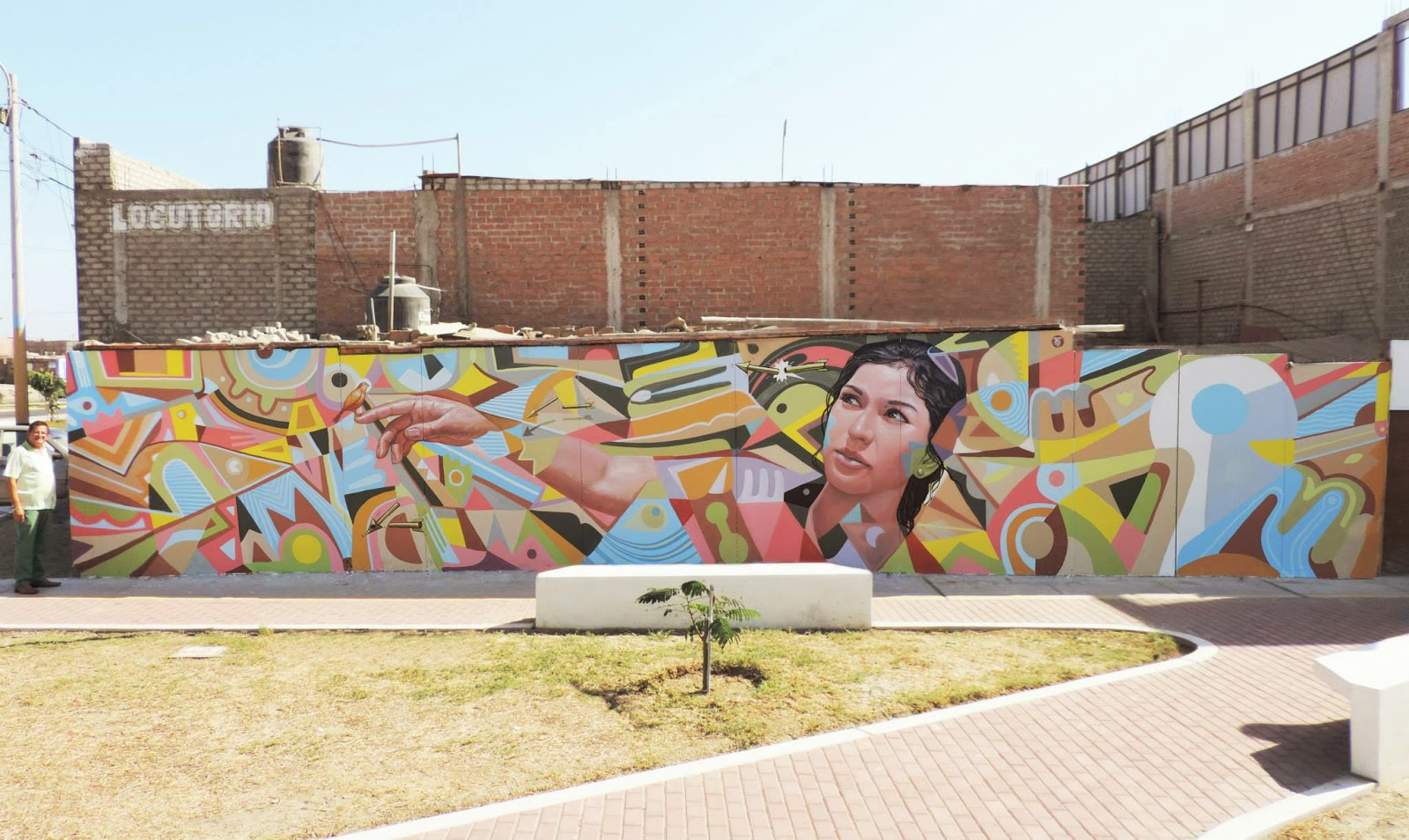 "Decertor just wrapped up a brand new piece in Nuevo Chimbote, Peru for the first edition of the ""Vive Nuevo Chimbote Mural Festival""."