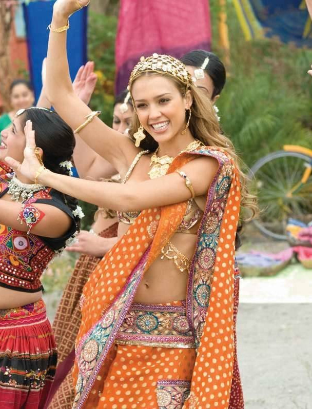 Jessica Alba dancing in saree.