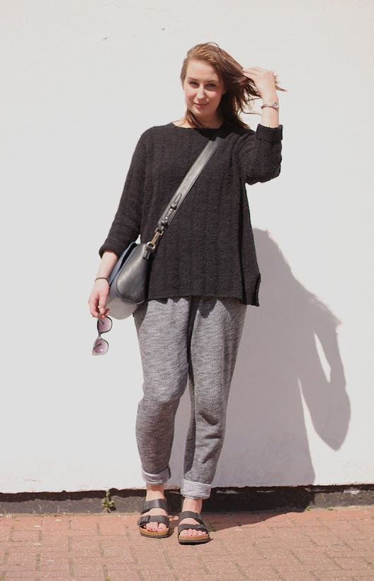 Steffani Louise - A UK Fashion And Style Blog : Outfit | Joggers and Birks