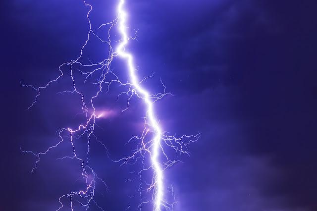Καιρός: Συνεχίζονται βροχές και καταιγίδες