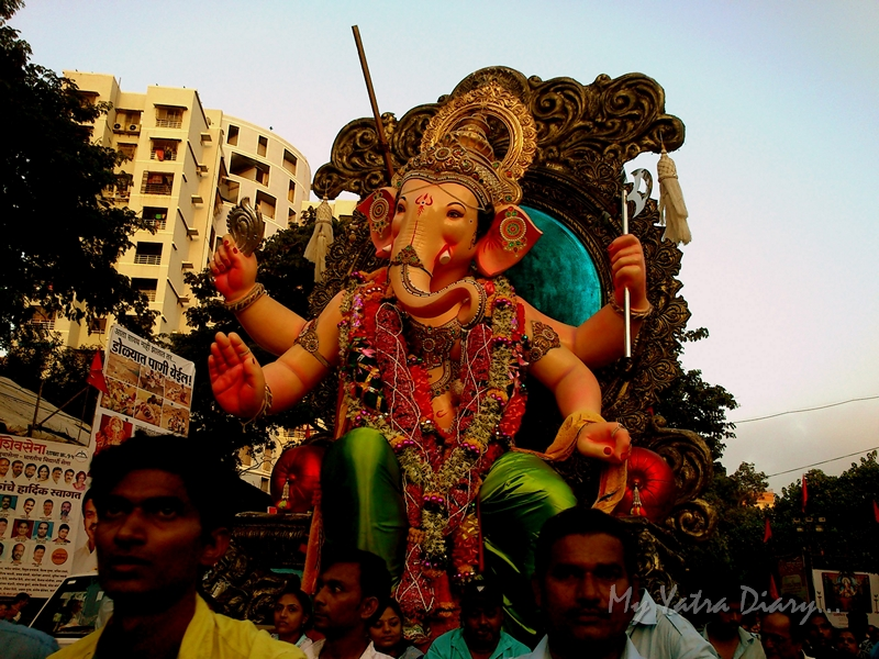 Big idol of Ganesha off for Ganesh Visarjan, Mumbai