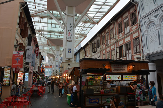 Chinatown Singapore covered shopping