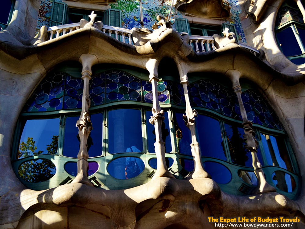 bowdywanders.com Singapore Travel Blog Philippines Photo :: Spain :: The World Renowned Casa Batlló in Barcelona and How to Enjoy It
