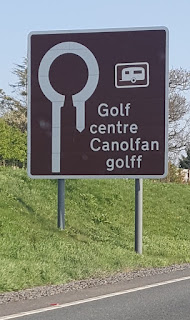 Just follow the brown tourist signs and you'll find Clays Golf Centre