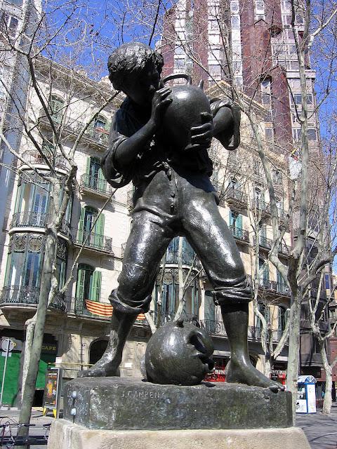 Praças para curtir Barcelona - Plaça Urquinaona