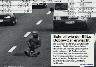Lustige Geschwindigkeitsmessung - Zeitungsausschnitt zu schnell gefahren zum lachen