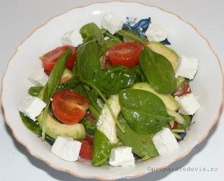 Salata de avocado retete culinare,