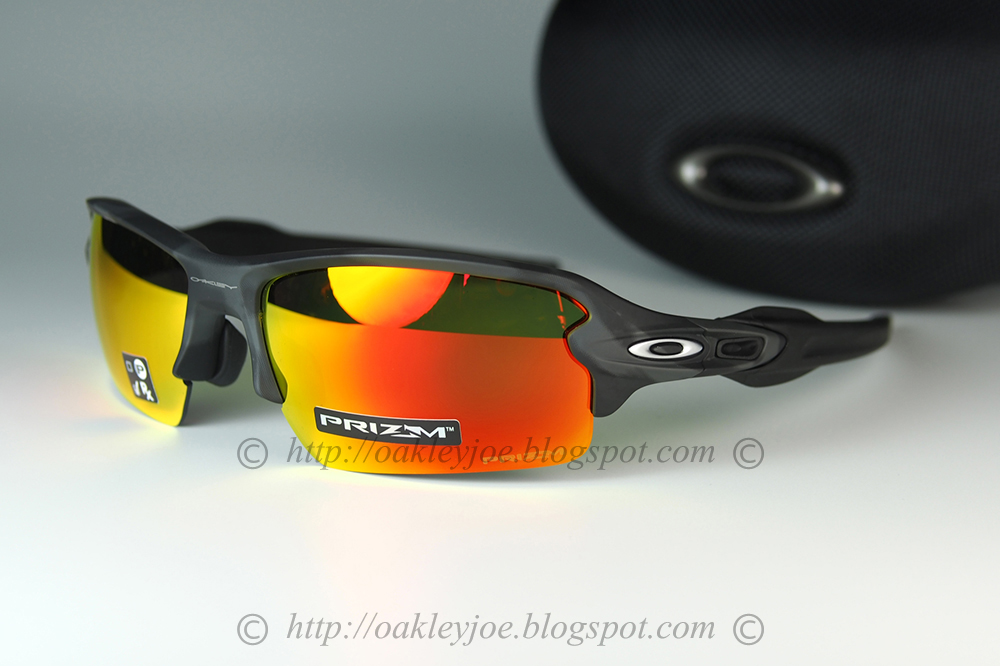 d40024e4b7f95 black camo + prizm ruby  245 lens pre coated with Oakley hydrophobic nano  solution complete set with box