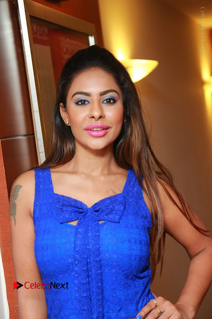 Telugu Actress Srilekha Reddy Latest HD Pos in Sleeveless Blue Top at Muse Art Gallery  0001.JPG