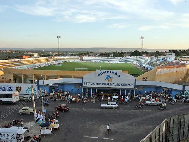 Estádio Romeirão vai se transformar em Arena Romeirão, anuncia o governador