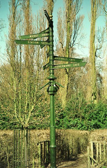 Crystal Palace Park Maze centre signpost, 1990s.