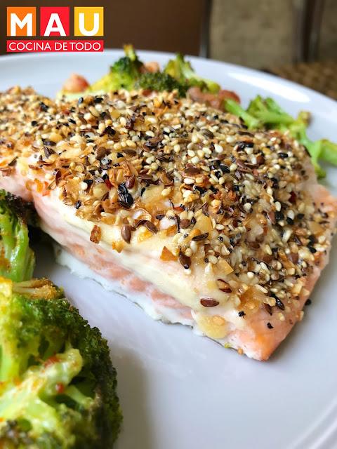 salmon con costra de ajonjoli mau cocina de todo keto dieta cetogenica receta facil