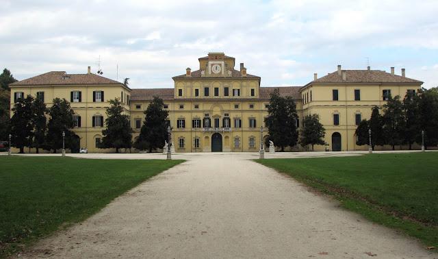 Palazzo Ducale del Giardino; Palacio Ducal; Palacio; Palace; Palais; Palazzo; Parma; Parme; Emilia-Romagna; Emilia-Romaña; Émilie-Romagne; Italia; Italy; Italie