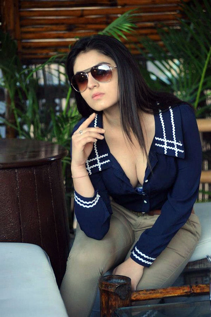 gorgeous hot sexy Lucky sharma hot photo shoot