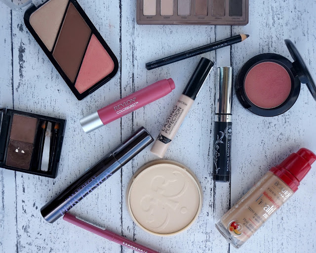 Internship Makeup Menu At A Magazine, beauty blogger, hanrosewilliams, hannah rose, urban decay naked basics, bourjois healthy mix, collection lasting perfection, benefit browzings, revlon coloburst, mac blush