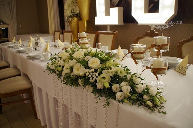 Białe dekoracje wesele w Dworek Komorno opolskie