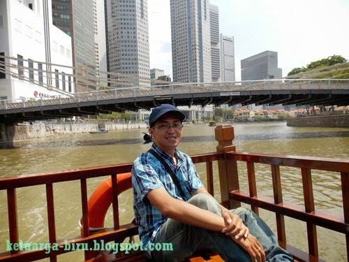 Naik Singapore River Cruise