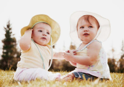 Twins-Baby-walls-pics-images-photos-hd