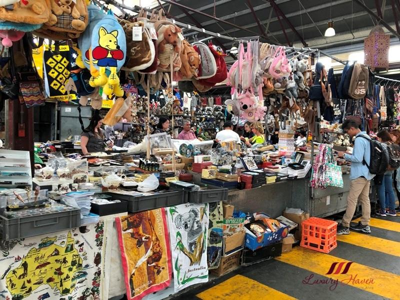 melbourne shopping qvm specialty shops souvenirs