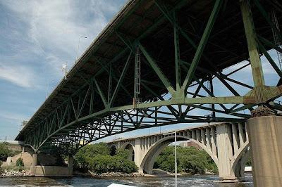 Maybach I 35w Mississippi River Bridge Collapse