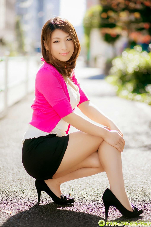 Nami Hoshino 星野ナミ Small Bikini, Big Boobs & Cameltoe [DGC