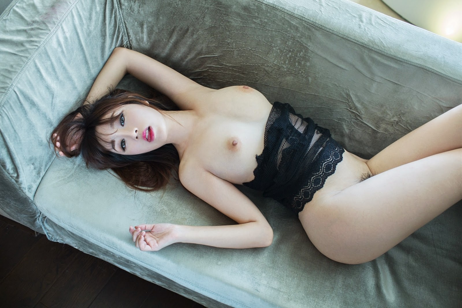 asian girl toppless
