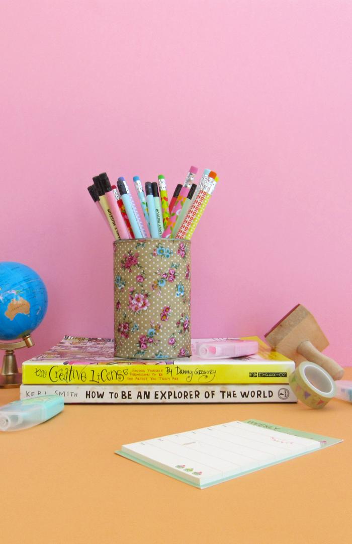 reusa, reduce, recicla, porta lápices con lata vacía, reciclaje, Día de La Tierra, manualidades, hazlo tú mismo