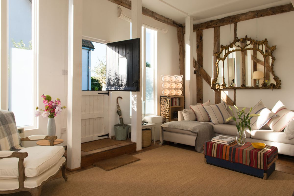 A joyful cottage living large in small spaces deepwell barn for Living in small places