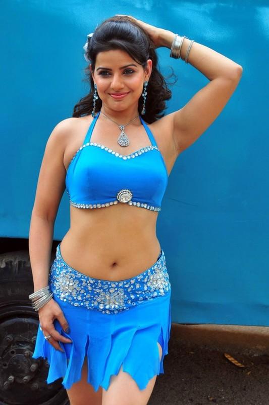 Navel show Madhu Sharma