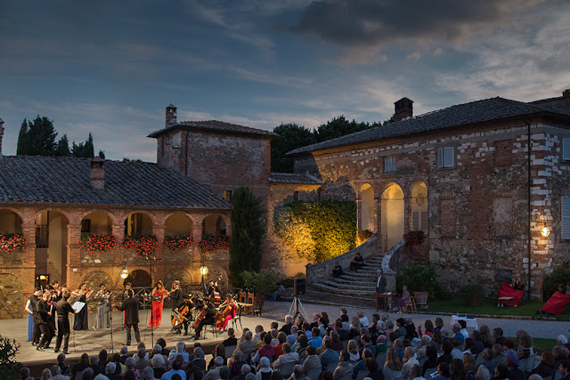 Locanda dell'Amorosa during the Incontri festival