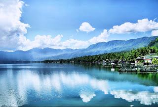 pesona-objek-wisata-alam-danau-maninjau-dan-puncak-lawang
