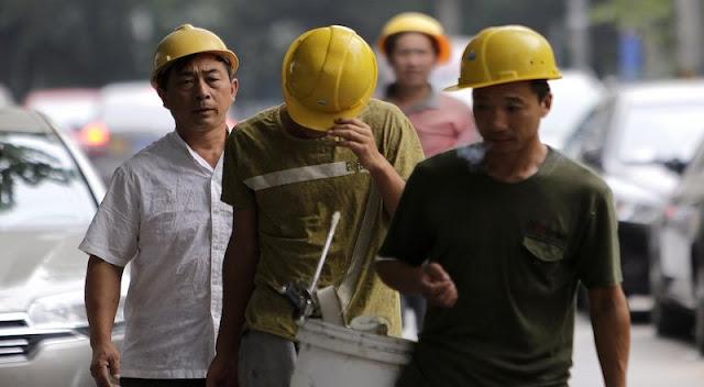 Sstt, Pemerintah Akan Perpanjang Masa Berlaku Izin Kerja Tenaga Asing