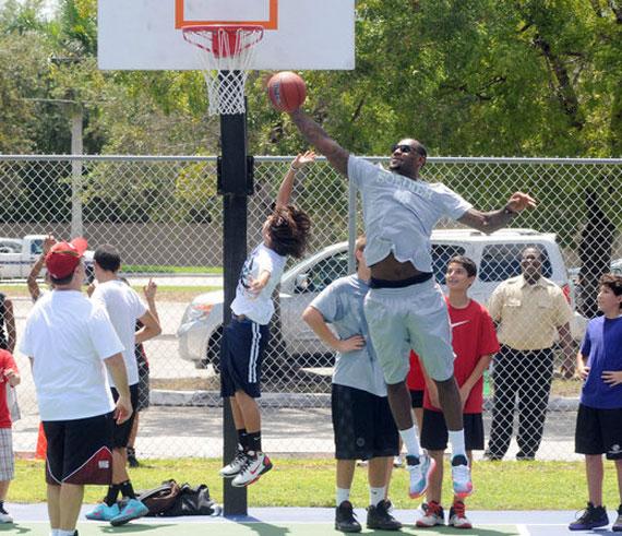 CELEBRITY SNEAKER ROCKERS  LeBron James – Nike LeBron 8  Miami Nights  a8dc6e0d35