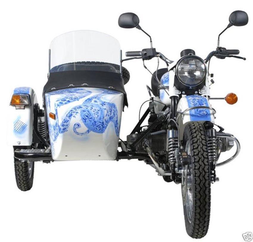 Figurine motorcycle Porcelaine Gzhel souvenirs Russian People