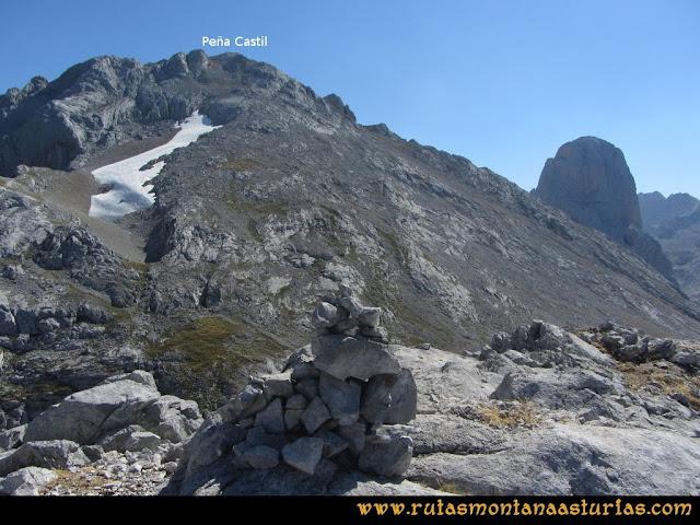 Ruta Peña Castil y Cueva del Hielo: Cima de Cabeza de los Tortorios