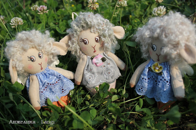 На лугу пасутся овечки