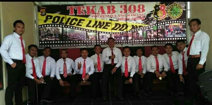 12 Anggota Tekab 308 Polres Tulangbawang Mendapatkan Piagam Penghargaan Kapolda Lampung