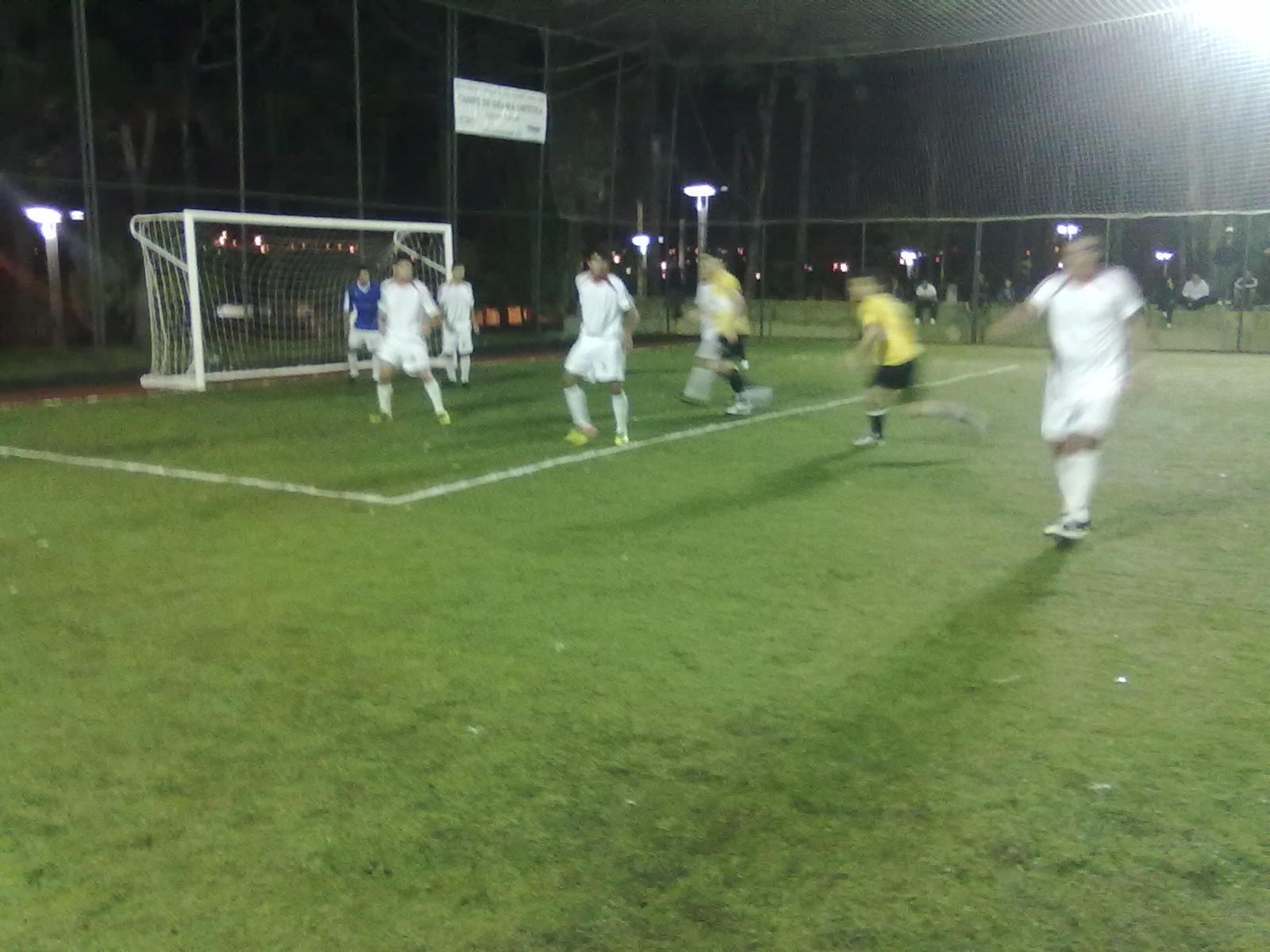 Nesta segunda feira (7 11) na Cancha de Futebol Society Lucio Solak na  Praça dos Pinheiros teve início a segunda fase da Copa TB de Futebol 7 com  jogos da ... 4ac3f50dfdc4c