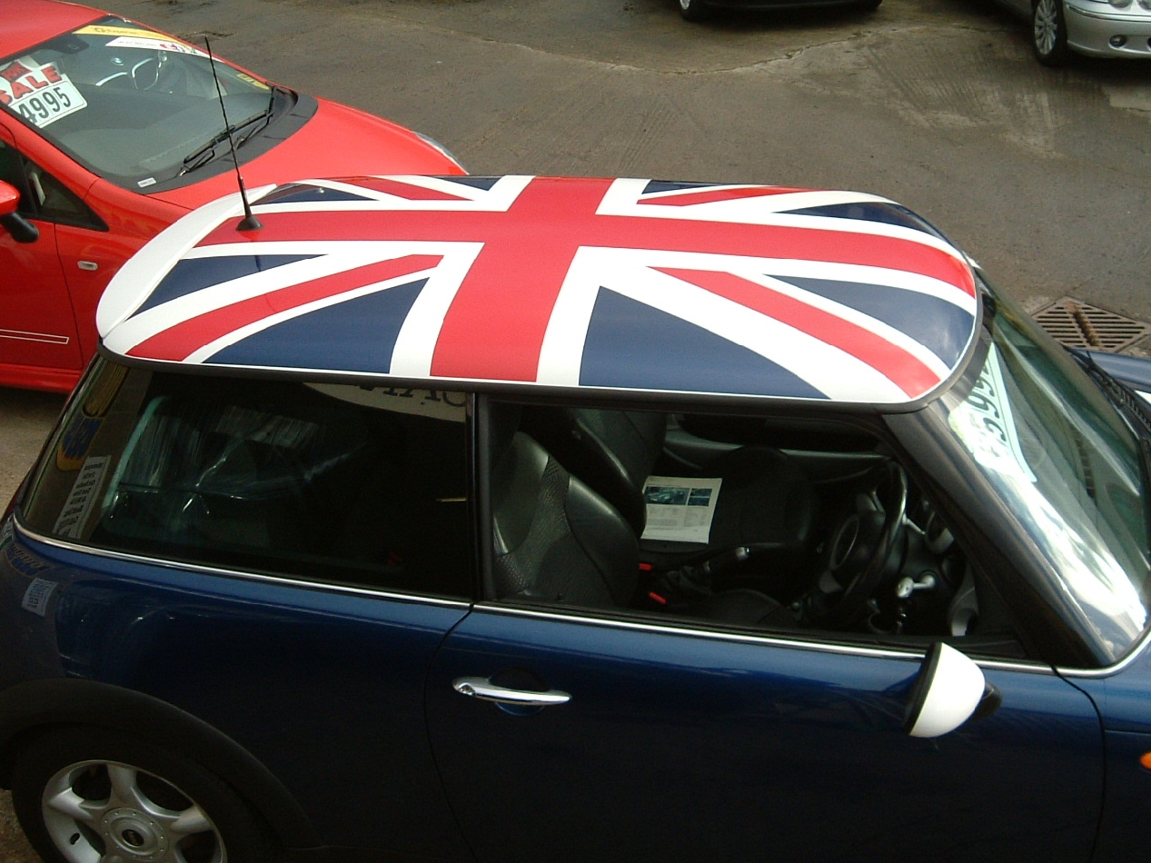 the green i signs blog mini union jack roof decal. Black Bedroom Furniture Sets. Home Design Ideas