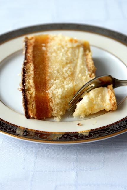 ciasto biszkoptowe, ciasto na niedzielę,ciasto z jabłkami,ciasto z budyniem i jablkami,szybkie ciasto,
