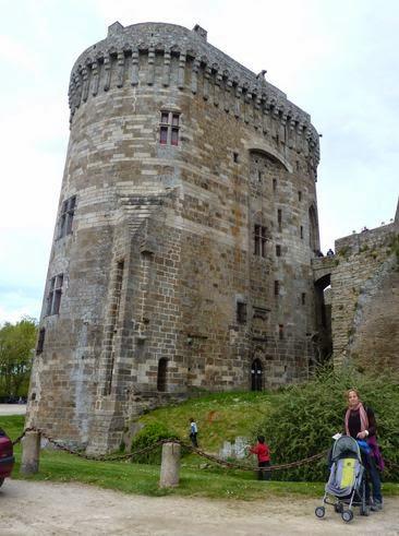 Castillo de Dinan desde extramuros.